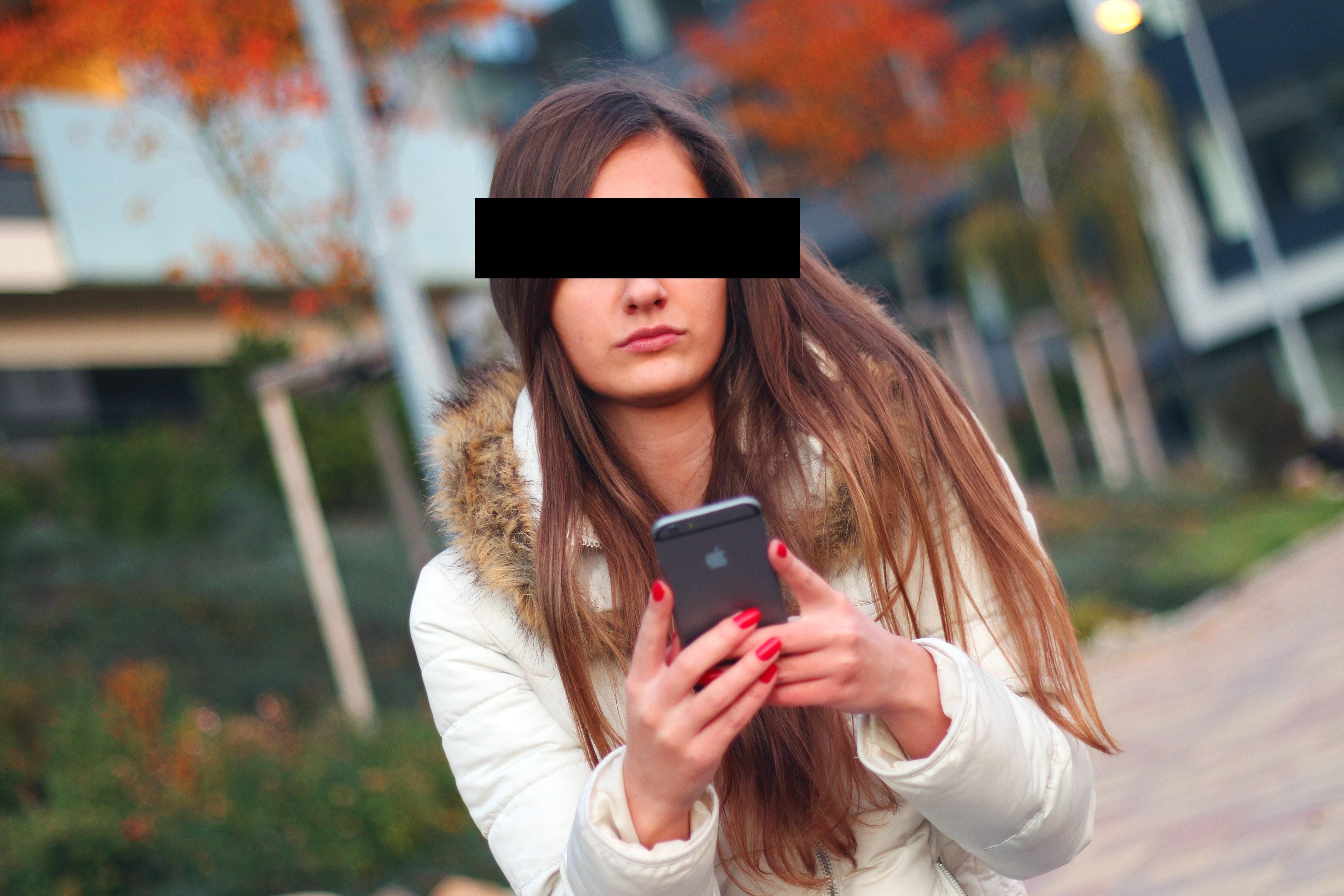 smartphone-569076.jpg